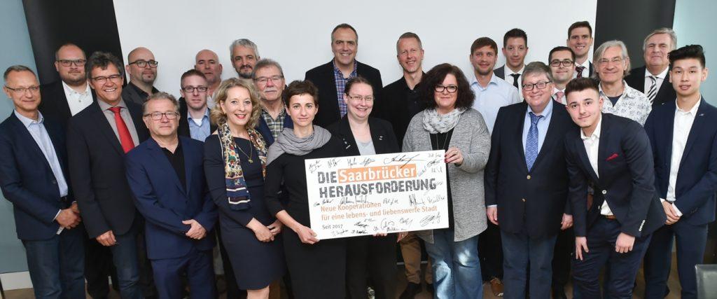 Neue Kooperationen für eine lebens- und liebenswerte Stadt: Die Saarbrücker Herausforderung ist mit der Auftaktveranstaltung am 19.10.2017 gestartet.